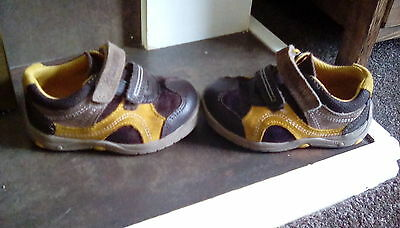 Lovely Clarks Boys First Shoes 4 G Ru Rocks Boxed VGC
