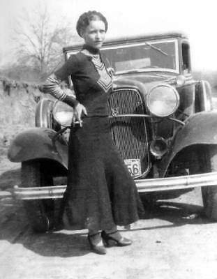 Bonnie Parker Bonnie & Clyde Car Smoking 1933, 7x5 Inch Reprint Photo