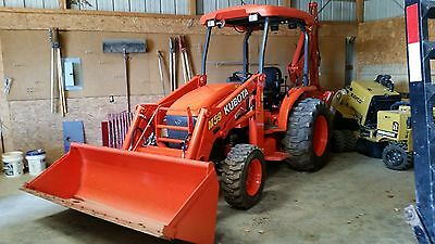 2014 Kubota M59 TLB HST Tractor/Loader/Backhoe 4x4 low hrs.& attachments