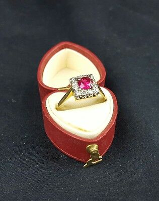 Vintage 18 carat gold Diamond and Ruby Ring