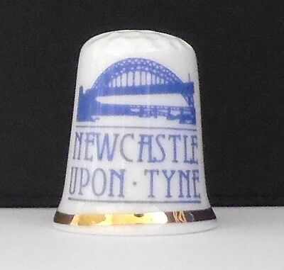 Newcastle  Upon  Tyne   ( Bone  China ) Thimble