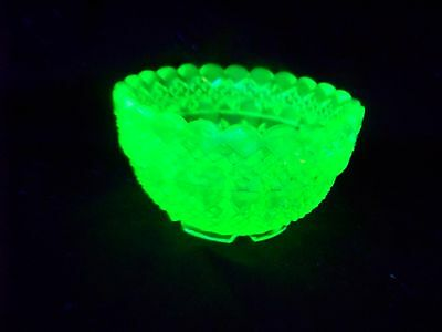 VASELINE URANIUM GLASS  MASTER OPEN SALT TABLESALT    (( id134223 ))