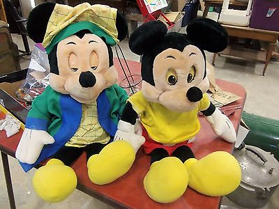 LOT OF 2 Vintage Worlds of Wonder Talking Mickey Mouse For Parts Or Repair