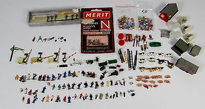 N Gauge Job Lot of Figures and Accessories UNBOXED L53