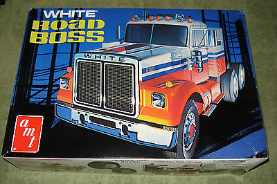 White Road Boss Conventional Tractor Retro Deluxe Re-Issue #amt648/06 Siob New