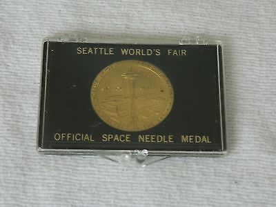 Vintage 1962 Seattle Worlds Fair Official Space Needle Medal in Case