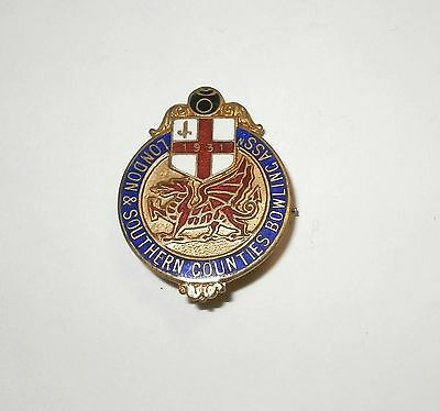 London & Southern Counties V Welsh Bowling Association Enamel Badge 1931 Bowls