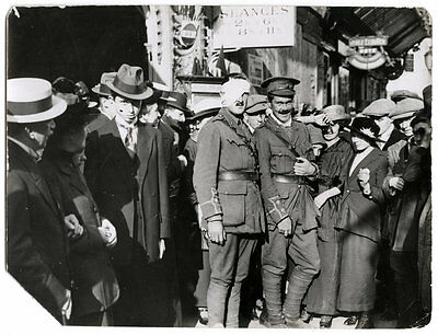World War One Ww1 Original Photo - Wounded English Officers In Paris