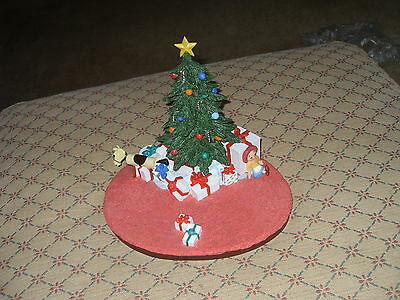 """CHRISTMAS MORNING"""" Goebel Looney Tunes SCAPE ONLY"""