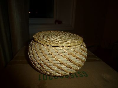 Vintage Tight Weave Smaller  Woven Rigid Straw Basket With Lid