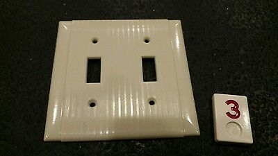 1 Vintage Bakelite Ivory Ribbed Deco Hubbell Double Light Switch Plate Cover R3