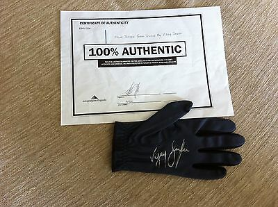 AUTHENTIC SIGNED GOLF GLOVE..VIJAY SINGH & Cert of Authenticity..