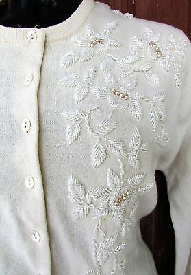 Vtg 50s White Beaded Cropped Rockabilly PIN UP Cardigan SOFT Sweater 38 M