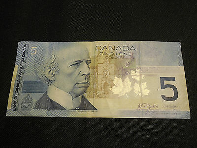 Bank of Canada 2002 $5 Five Dollars Canadian Money - Good Condition
