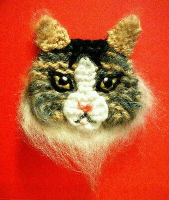 knitted Maine coon cat brooch NEW !