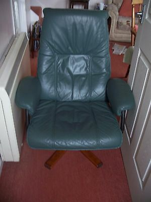 Unico Danish Design Reclining Green Leather Swivel Chair with instructions