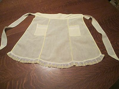 "(M) Vtg. Yellow Light Cotton Half Apron, 2 Pockets, 54"" Tie to Tie and 19"" Long"