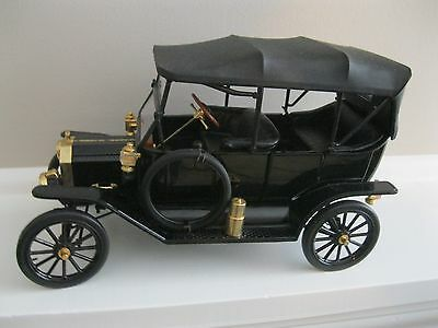 "1913 Ford Model T Black By Franklin Mint 1:16 Scale Display Piece 8 1/2"" Long"
