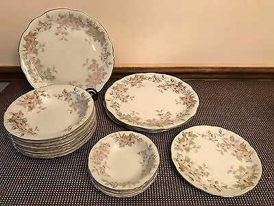 "Bellaire China ""TRELLIS""  Scalloped China ~ LOT of 18 Pieces ~ Plates, Bowls"
