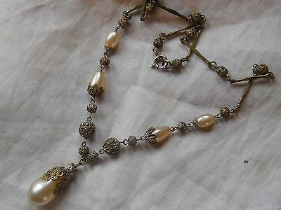 Lovely Art Deco Decorative Glass Pearl Drop Necklace
