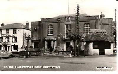 1969 BRADNINCH The Guildhall & Castle Hotel - thatched bus shelter