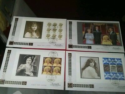 4 LUXURY THE QUEEN MOTHER 100th BIRTHDAY. F/D/COVERS VERY NICE