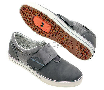 DZR Pigeon Clipless Bike Shoes Casual SPD Slip-On Grey/White Size 45 NEW in box
