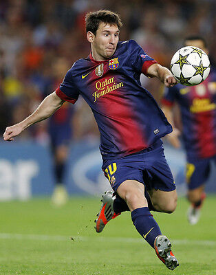 Lionel Messi FC Barcelona unsigned 8x10 soccer action photo