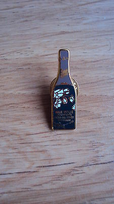 Pin's Champagne Perrier Jouet