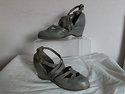Vintage 1930s/40s ORIGINAL Grey Leather Wedge Heels Strappy Ankle Wrap Shoes 5
