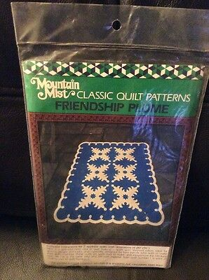 """A Quilt Pattern With Instructions Mountain Mist """"friendship Plume"""""""