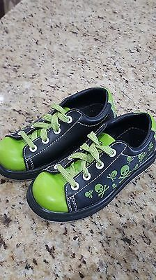Pyramid Youth SIZE 12 Bowling Shoes~Skull Green/Black~Boys~Excellent!