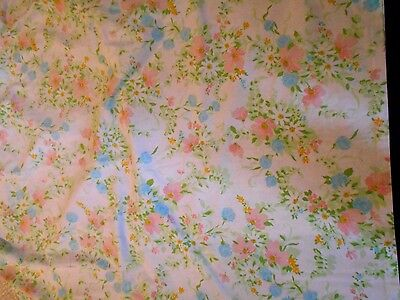 Vintage Shabby Chic Cotton Sheet Floral Pastels Full Flat Daisies Fabric GUCond