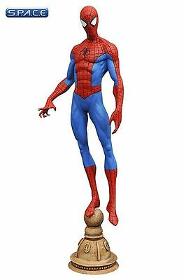 Spider-Man PVC Statue Marvel Gallery Peter Parker Diamond Select Toys