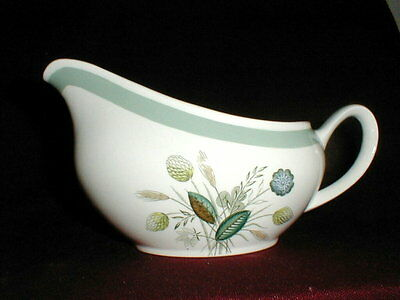Enoch Wood & Son China England CLOVELLY Gravy Boat (loc-bas)