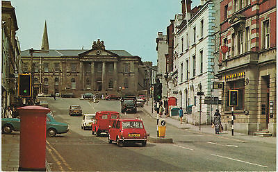 OMAGH CO. TYRONE THE COURT HOUSE & HIGH STREET EARLY 1970s POSTCARD UNPOSTED NPO