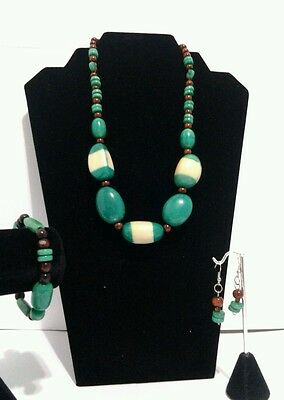 NEW Ivory and Green Tagua Necklace,Earrings & Bracelet Set from Ecuador