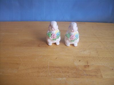 White Bunny/Rabbits With Flowers Salt And Pepper Shakers