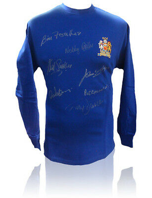 Hand Signed Shirt Man United 1968 European Champions + Proof