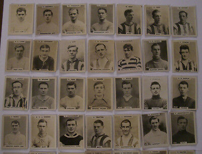 55 x GODFREY PHILLIPS 1922/3 ( FOOTBALL ) CARDS ALL DIFFERENT PINNACE CARDS