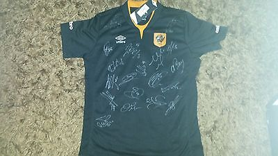"""Superb Bnwt Hull City Away Shirt Signed By 19 - """"proof"""""""