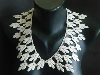 Antique Victorian large Collar Schiflli linen lace trim leaves design France
