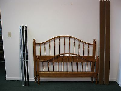 Ethan Allen Circa 1776 Arched Spindle Full Size Bed