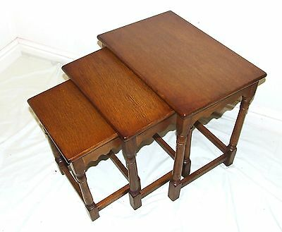 Superb OAK Nest of 3 Occasional / Coffee Tables / Lamp Stands (55)