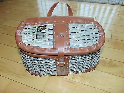 Vintage Looking Wicker Leather Fly Fishing Creel Trout Basket Cabin Decoration