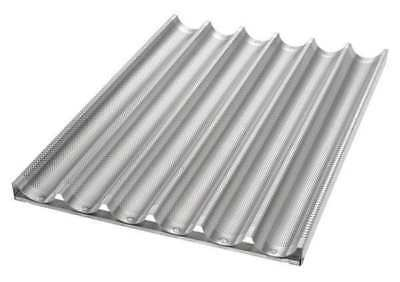 CHICAGO METALLIC 49036 Baguette/French Bread Pan, 6 Moulds