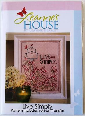 Live Simply Embroidery / Stitchery Pattern Design With Iron On Transfer