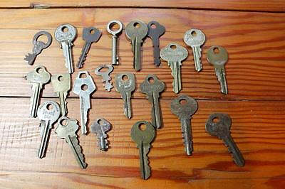 Bulk Lot of 21 Vintage Keys - Antique, Steampunk, Scrapbook, Craft,