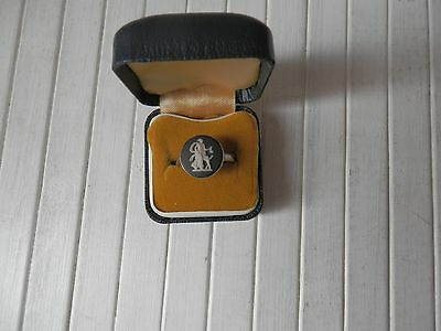 Vintage Wedgwood Boxed Sterling Silver Cameo Ring - Classic Muse Collection No 6