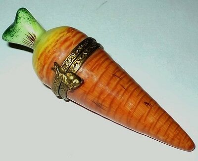 Limoges Box - Parry-Vieille - Small Carrot & Bunny Clasp - Vegetables - Rabbits